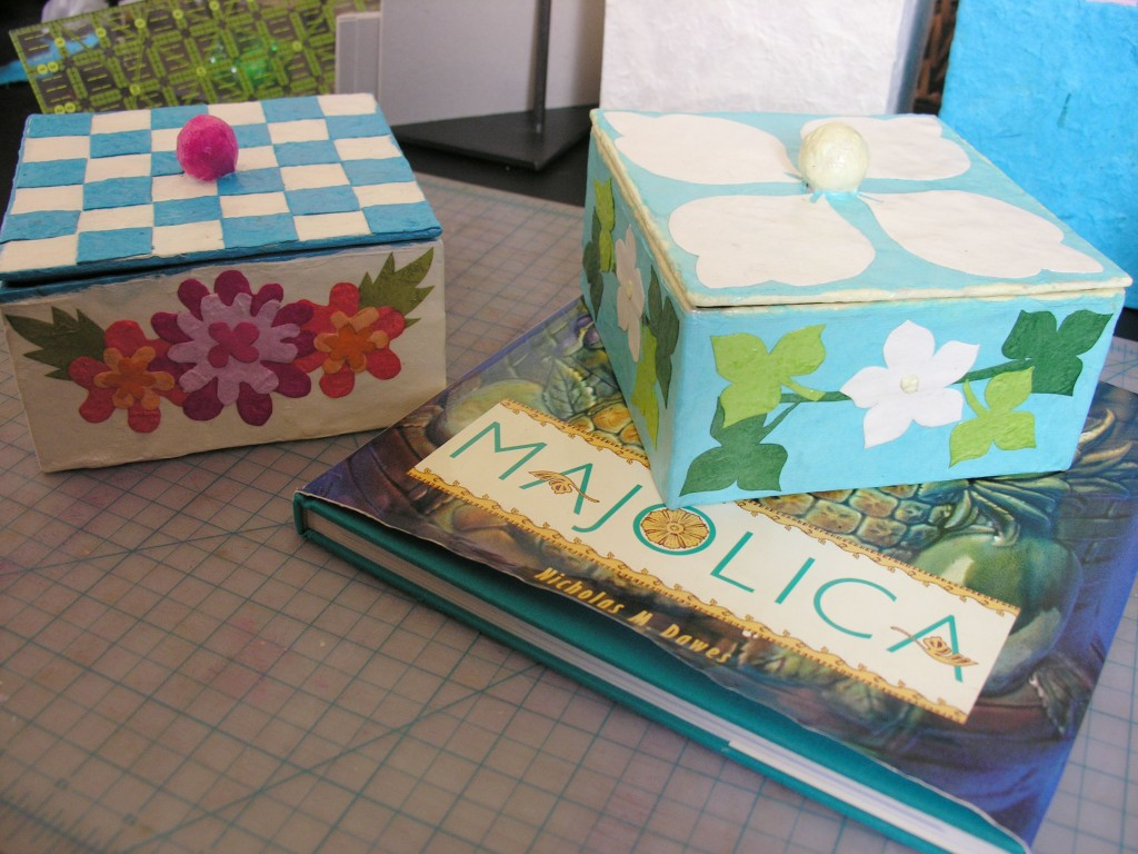 decorated_boxes_majolica